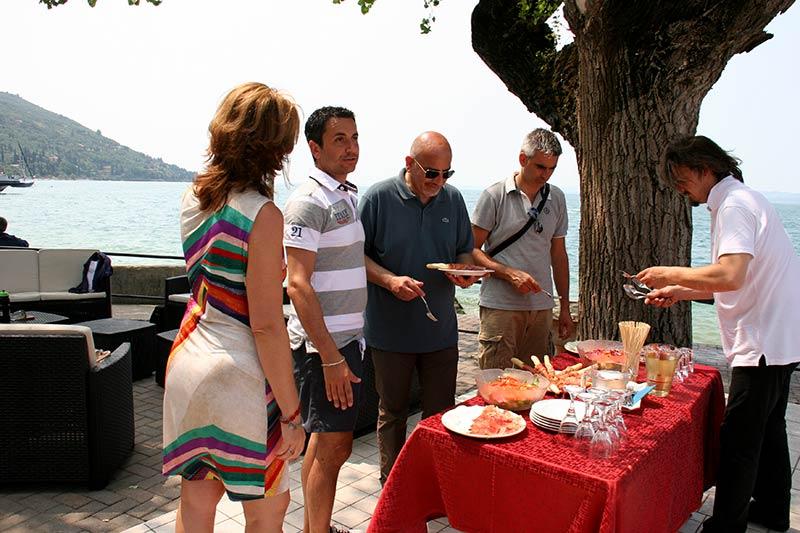 Team Building Verona - Incentivazione - regata velica - lago di garda - Jaguar - buffet