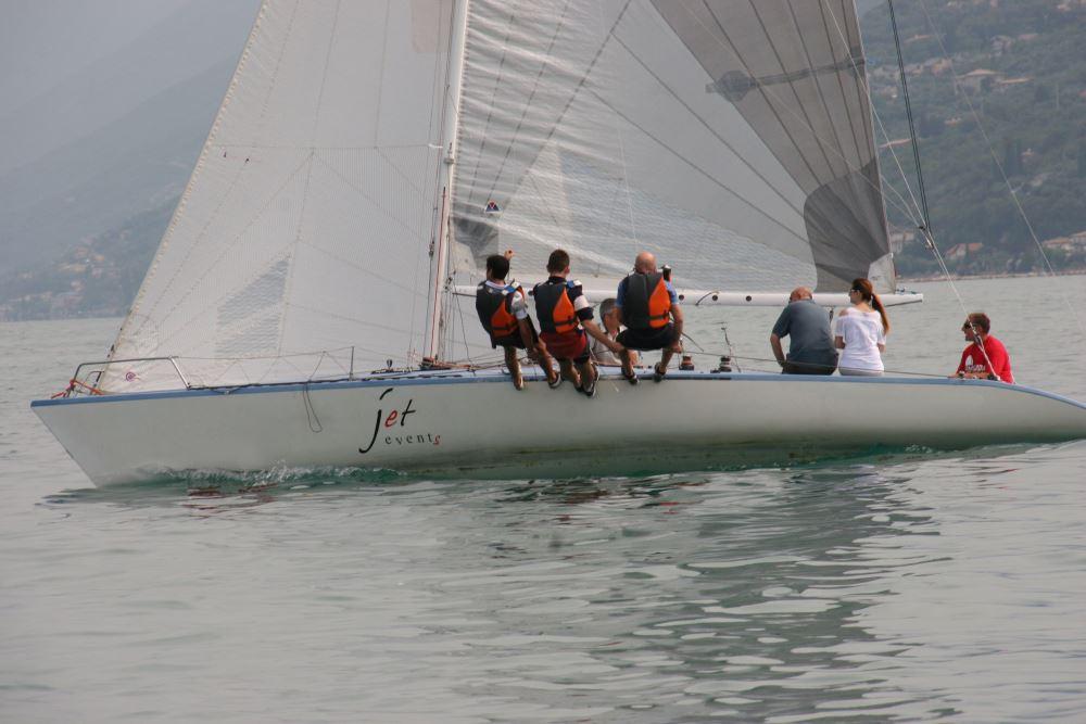 Team Building Verona - Incentivazione - regata velica - lago di garda - Jaguar -